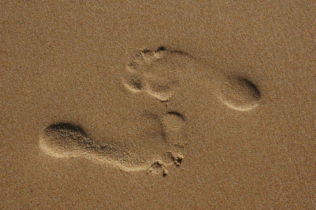 Fußspuren Frohe Botschaft